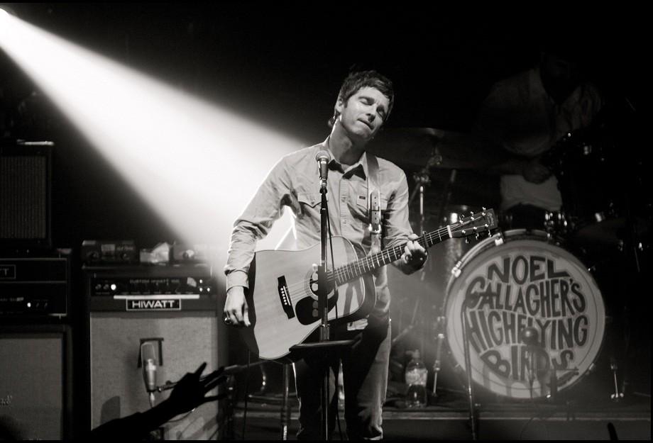 Noel Gallagher's High Flying Birds Live Photo 3 (Jill Furmanovsky/rockarchive.com)