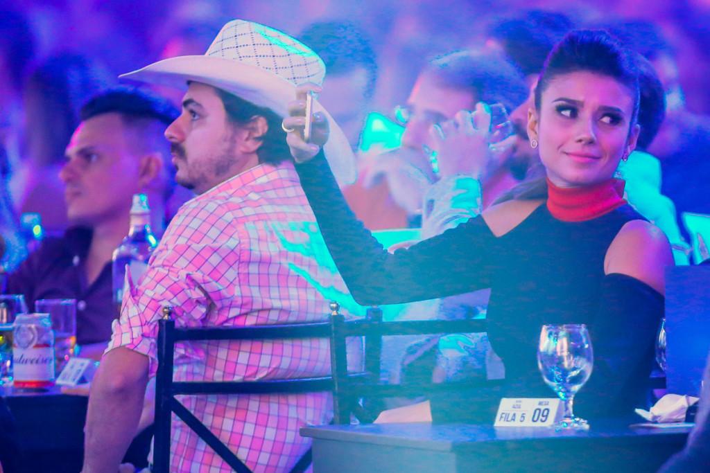 Paula Fernandes na primeira fila do show Classicos-9417