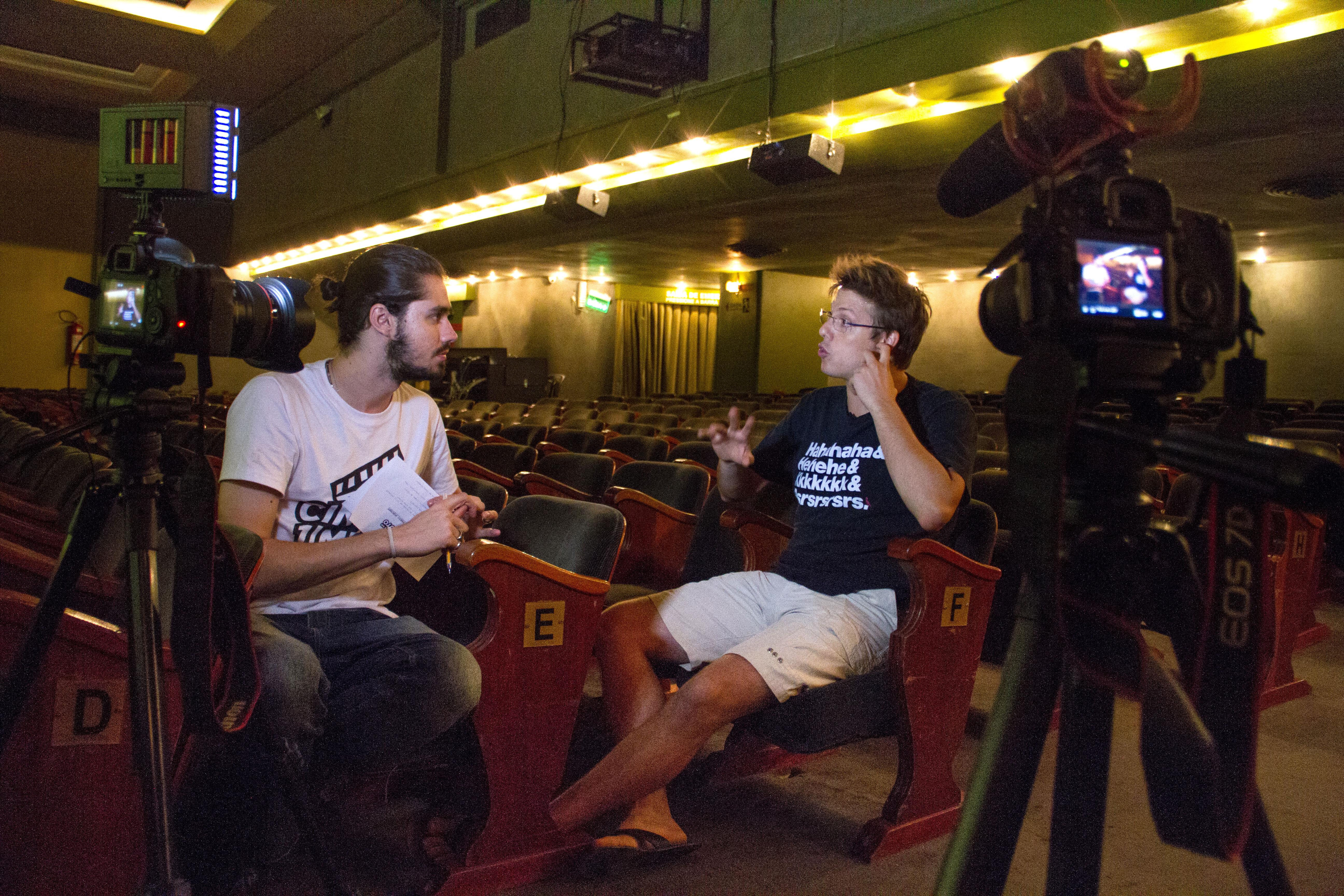 """O programa """"Cinema em 1 Minuto"""" é dirigido por Caio Bucker."""