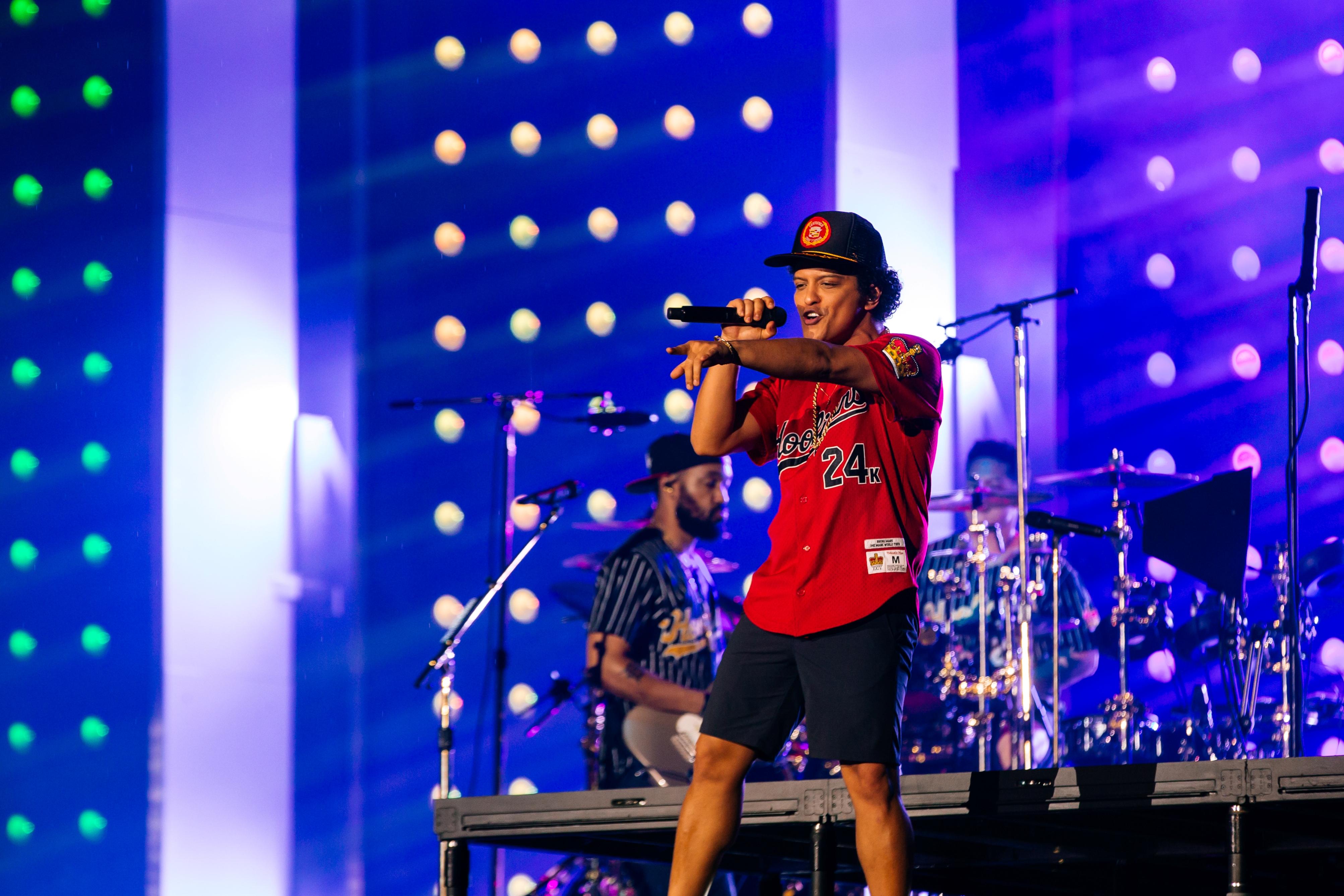 Bruno Mars Faz Hoje 250 Ltimo Show Da 24k Magic World Tour