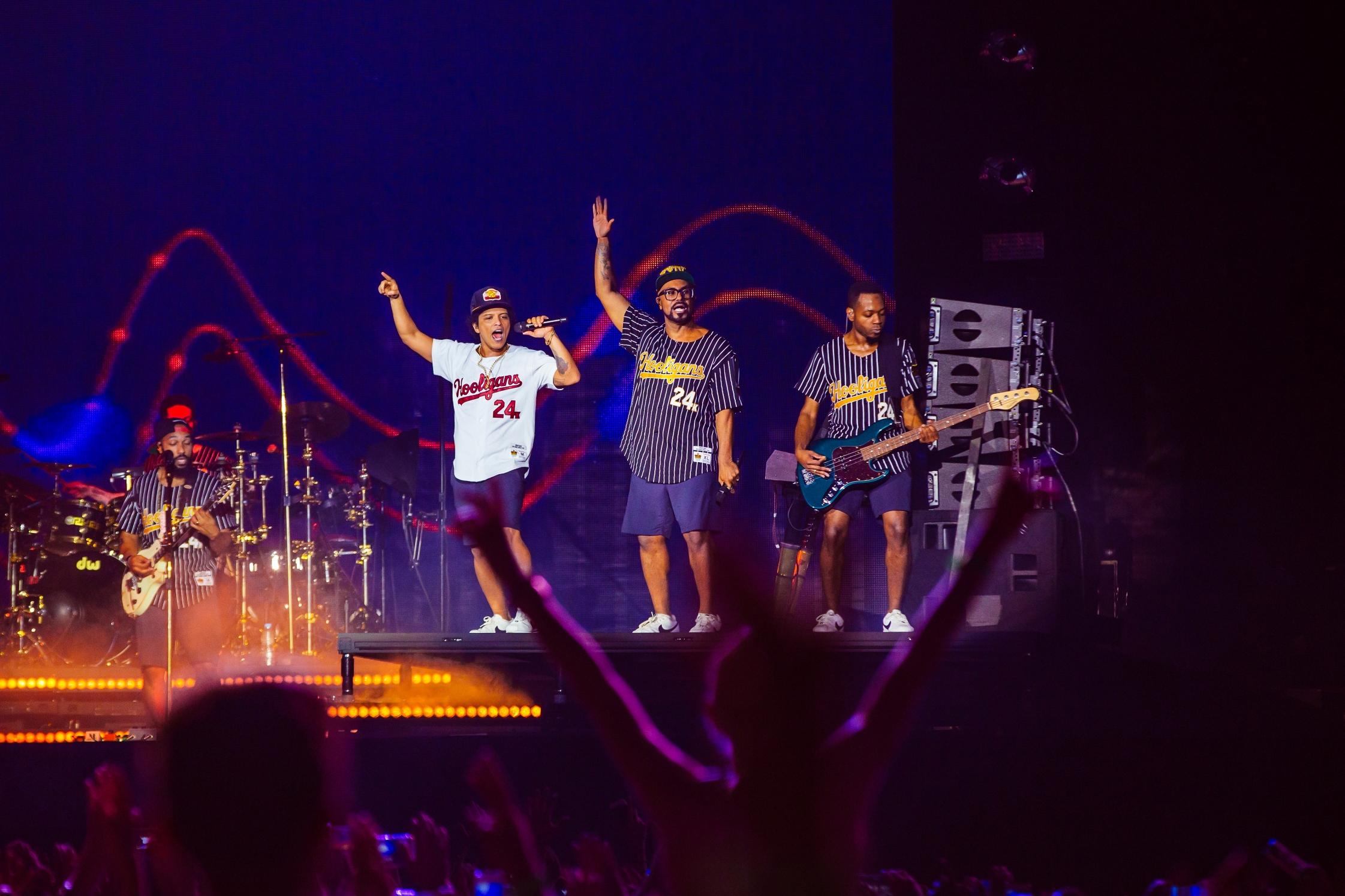 Bruno Mars se apresentou na Praça da Apoteose, no Rio de Janeiro (Crédito: Florent Déchard)