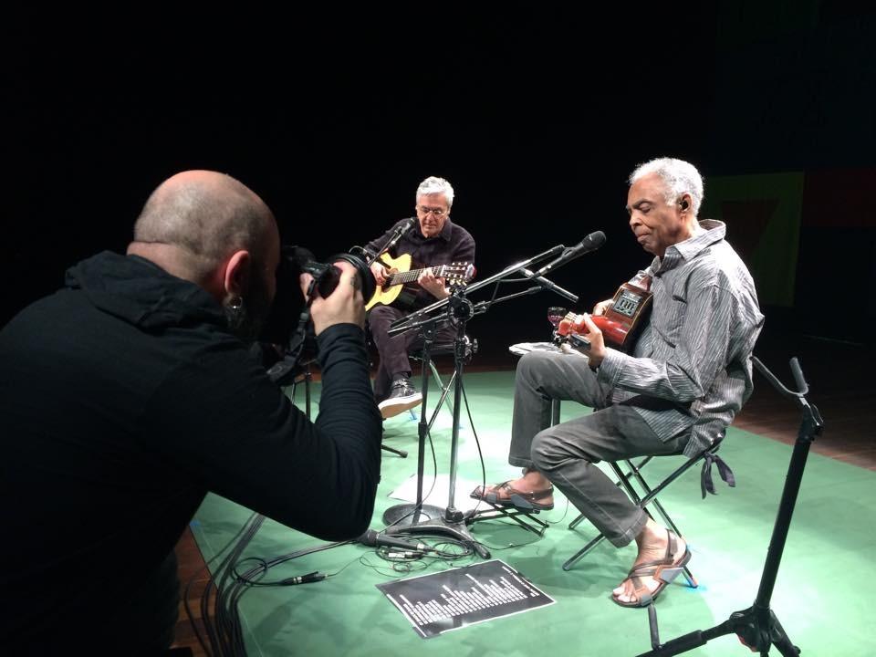Marcos Hermes fotografa encontro de Gilberto Gil e Caetano Veloso (Crédito: Pedro Secchin)