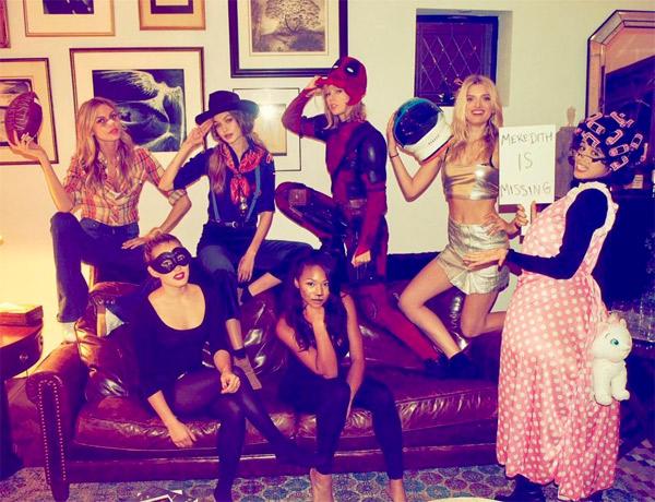 Taylor Swift como Deadpool e o resto de sua Squad com famosas como Gigi Hadid e Camila Cabello em 2016
