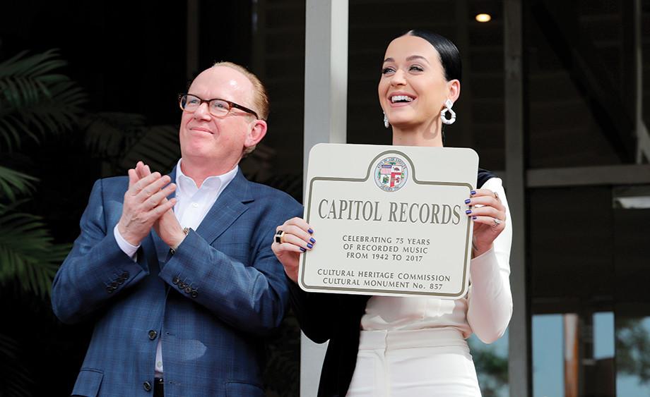 Mandatory Credit: Photo by Chelsea Lauren/REX/Shutterstock (7439074z)Steve Barnett, Katy PerryCapitol Records Star of Recognition, Los Angeles, USA - 15 Nov 2016